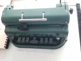 Εικόνα: 1 Γραφομηχανή Braille